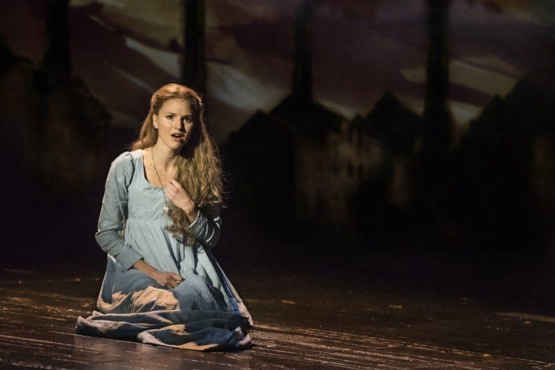 08_LM_TOUR_3974_Melissa Mitchell as Fantine
