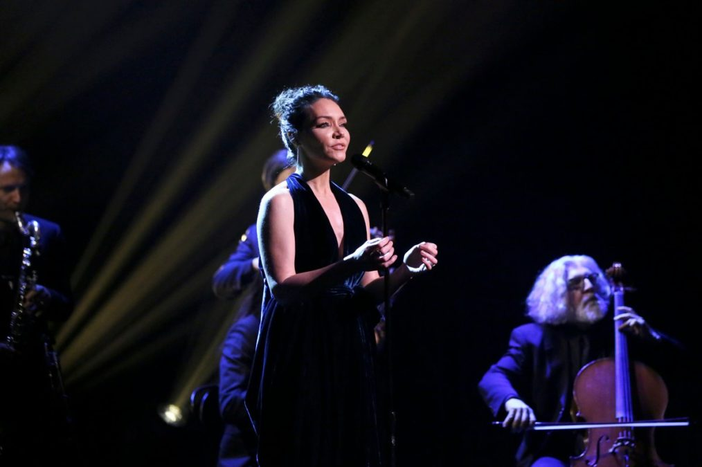 Katrina Lenk - The Tonight Show Starring Jimmy Fallon - The Band's Visit - 02/2019 - Andrew Lipovsky/NBC